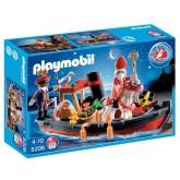 Stoomboot van Sinterklaas en Zwarte Piet